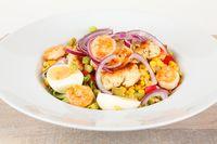 Salatteller mit Hähnchenfleisch