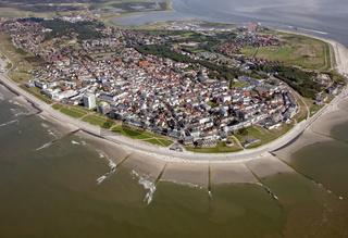 Insel Norderney mit Strandpromenade.
