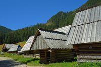 Alte Schäfershütten auf der Chocholowska Lichtung, West Tatra, Polen