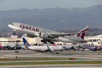 Qatar Airways Boeing 777-200 Flugzeug Flughafen Los Angeles