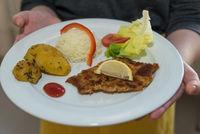 Wiener Schnitzel - traditionelle österreichische Küche