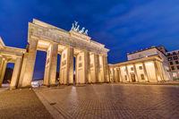 Nachtansicht des Brandenburger Tores in Berlin