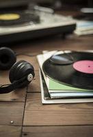 playing_vinyl