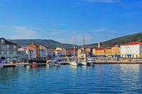 Altstadt und Hafen von Cres, Kroatien