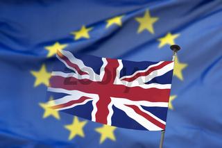 Europäische und britische Flagge