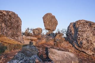 Montanchez shifting stone or El Cancho que se menea in spanish