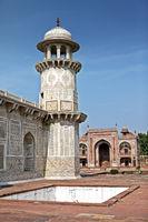 Itmad Ud Daulah Tomb