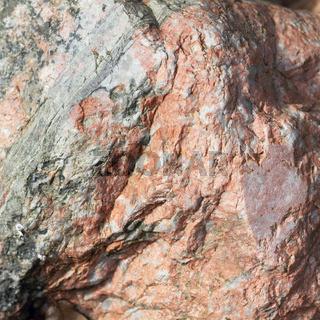 Oberfläche eines Findlings aus Pegmatit,  Nahaufnahme