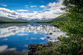 An einem Bergsee in Jotunheimen
