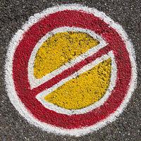 Straßenmarkierung, Halteverbot