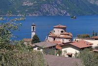 Sale Marasino Chiesa di San Zenone am Iseosee - Sale Marasino Chiesa di San Zenone on Iseo lake, Lombardy in Italy