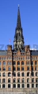 Hamburg Neue Burg und Nikolaikirche