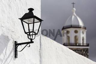 Laterne mit Kirche, Teguise, Lanzarote,