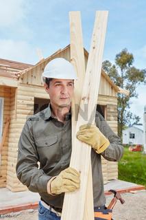 Heimwerker baut Neubau als Holzhaus