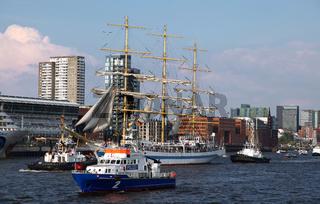 Segelschulschiff MIR, Impressionen der Auslaufparade vom 828. Hamburger Hafengeburtstag 2017; Impressions of the 828th Birthday of the Port of Hamburg 2017, Germany