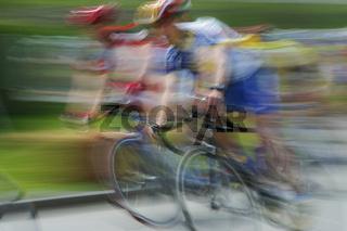 Radrennfahrer - Impression/Typical - mitgezogen/verwischt