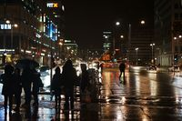 Alexanderplatz nachts im Regen