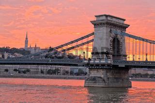 Ungarn, Budapest, Kettenrücke. Stadtansicht