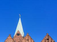 Turm und Giebel der Kirche St. Martini in der Bremer Altstadt, Deutschland
