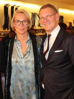 Katrin Papenbreer und Sebastian Papenbreer bei 25 Jahre Papenbreer Magdeburg, Große Internationale Fashionshow am 20.09.2017 in Magdeburg