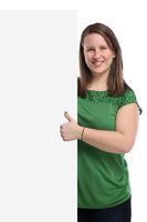 Junge Frau Daumen hoch Werbung Marketing Schild leer Textfreiraum Copyspace Freisteller