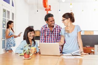 Startup Team im Computer Workshop