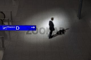 Mann im Spotlicht / man in spotlight