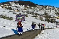Gruppe, schöner Kläuse auf Silvesterprozession, Urnäsch, Kanton Appenzell Ausserrhoden, Schweiz
