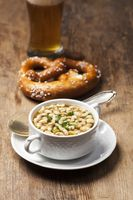 Bayerische Bratnockerl Suppe