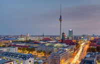 Morgendämmerung über der Berliner Innenstadt