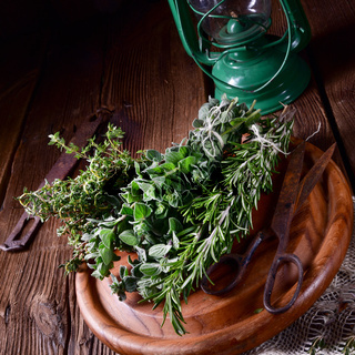 Herbal collection of: thyme,oregano, rosemary