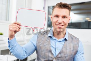 Geschäftsmann mit Sprechblase für Ideen