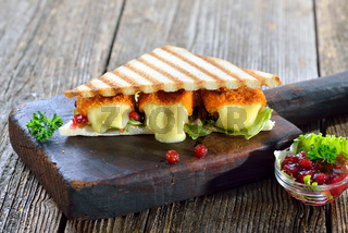 Panini mit Mini-Camemberts