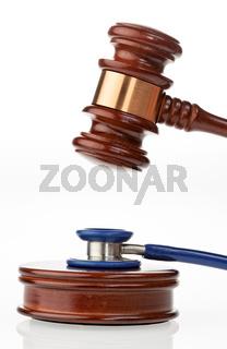 Stethoskop und Richter Hammer