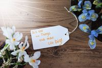 Sunny Flowers, Label, Quote Little Things Make Life Big