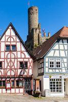 Eppstein, historische Häuser und Burg. Mai 2017.