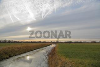 Impressionen am Wybelsumer Tief in Ostfriesland