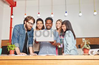 Kreative Gründer im Startup Team