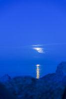 Mondschein über der Ostsee.