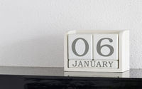 White block calendar present date 6 and month January