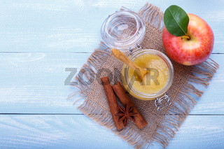 apple pure with cinnamon