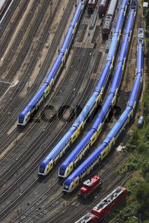 Zuege auf Abstellgleisen am Hamburger Hauptbahnhof, Deutschland, Trains on Holding Sidings at Hamburg Central Station, Germany