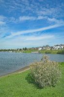 Blick auf Leverkusen-Hitdorf am Rhein,Nordrhein-Westfalen,Deutschland