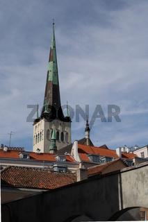 Estland, Tallinn, Altstadt mit Olaikirche