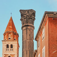 Kirche St. Simeon und Säule in Zadar, Kroatien