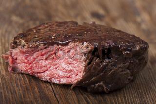Nahaufnahme von einem gegrillten Steak