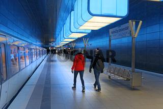 Lichtinstallation in der U-Bahn Haltestelle Hafencity Universität, Hamburg, Deutschland, Europa