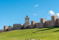 Die berühmte mittelalterliche Stadtmauer von Avila