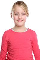 Kind Mädchen Oberkörper Portrait Porträt isoliert Freisteller freigestellt