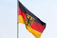 Deutsche Fahne mit Bundesadler
